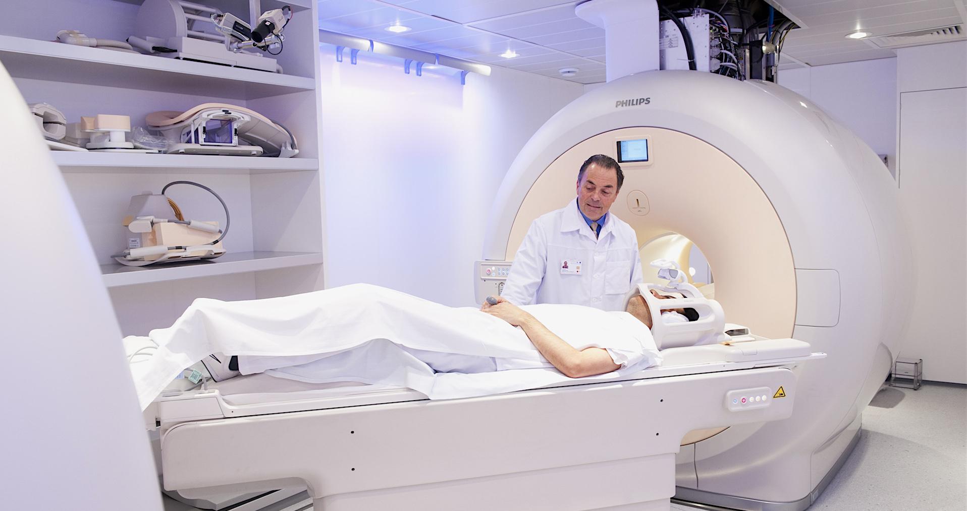 Diagnóstico del Alzheimer mediante TAC o Resonancia